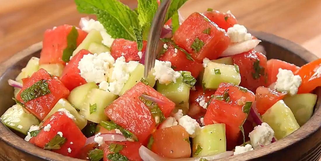 Salade de melon d'eau et feta d'inspiration grecque