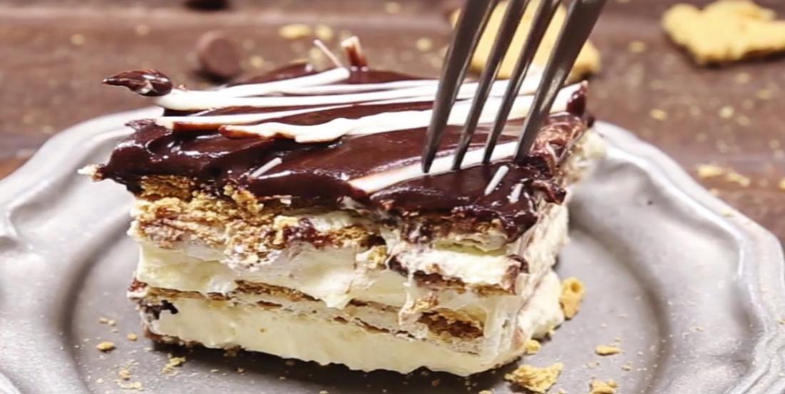 Gâteau éclair au coulis de chocolat blanc
