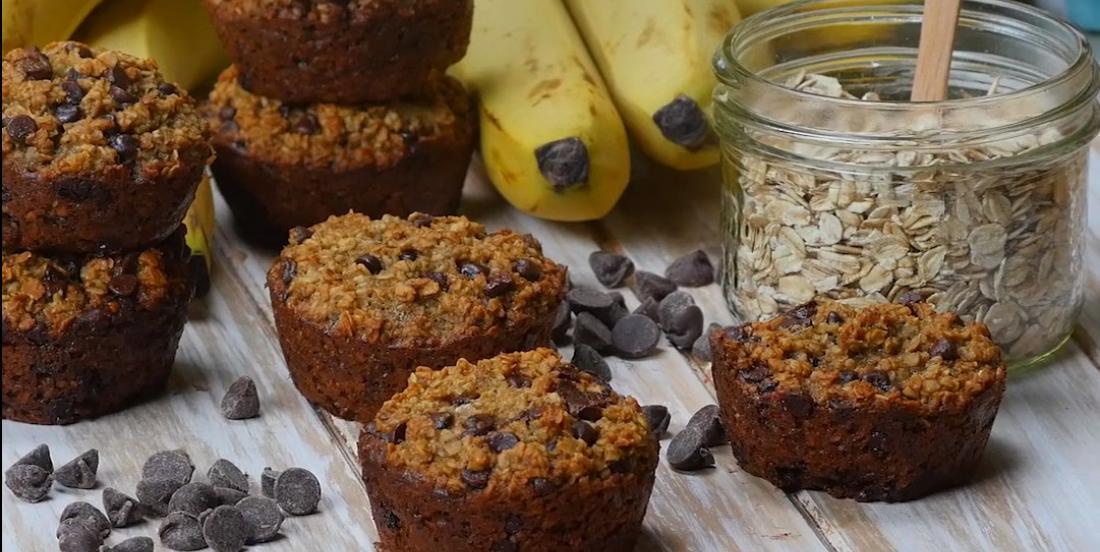 Muffins à l'avoine, bananes et érable... un petit-déjeuner dont vous ne pourrez plus vous passer!