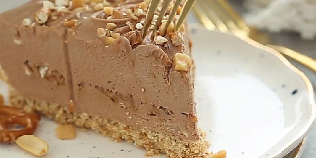 Gâteau au fromage au beurre d'arachide et au chocolat sans cuisson