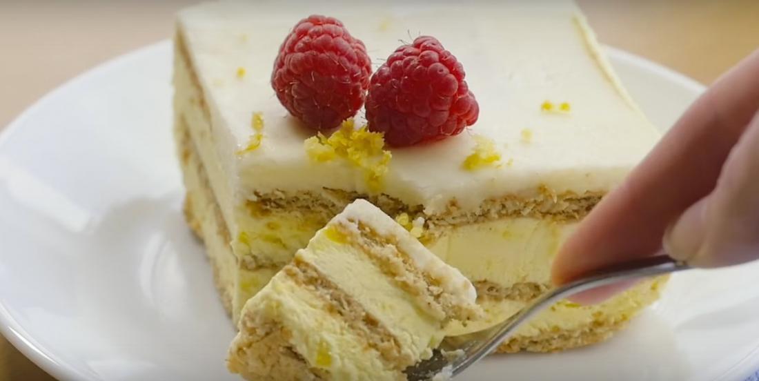 Gâteau frigidaire au citron complètement renversant