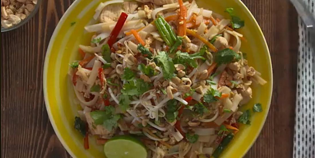 La meilleure recette de pad thaï au poulet maison