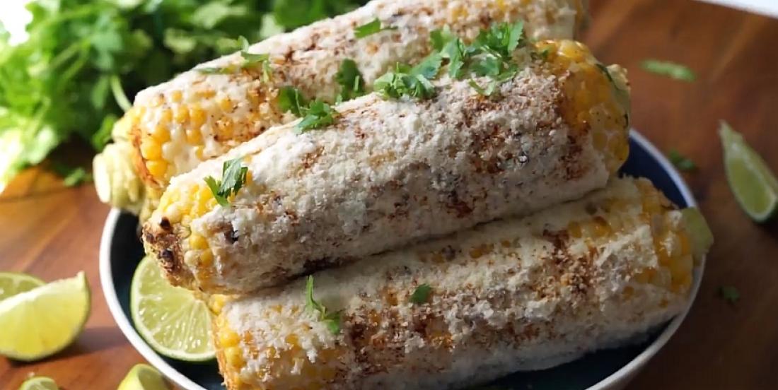 Épis de maïs grillés à la mexicaine