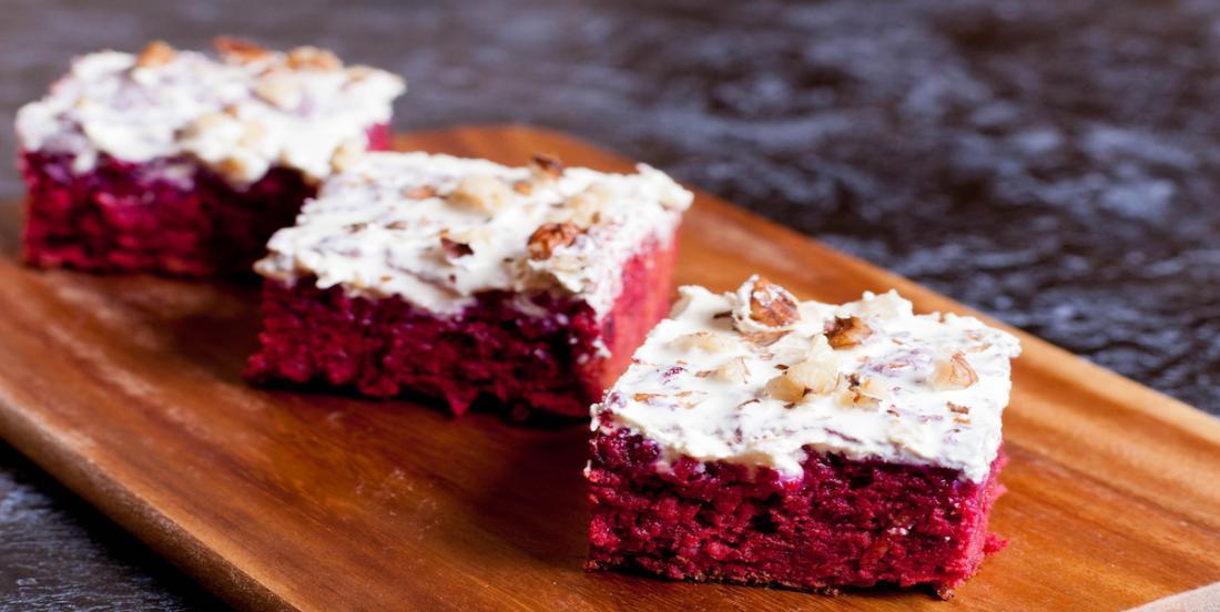 Gâteau rose à la betterave bourré d'antioxydants