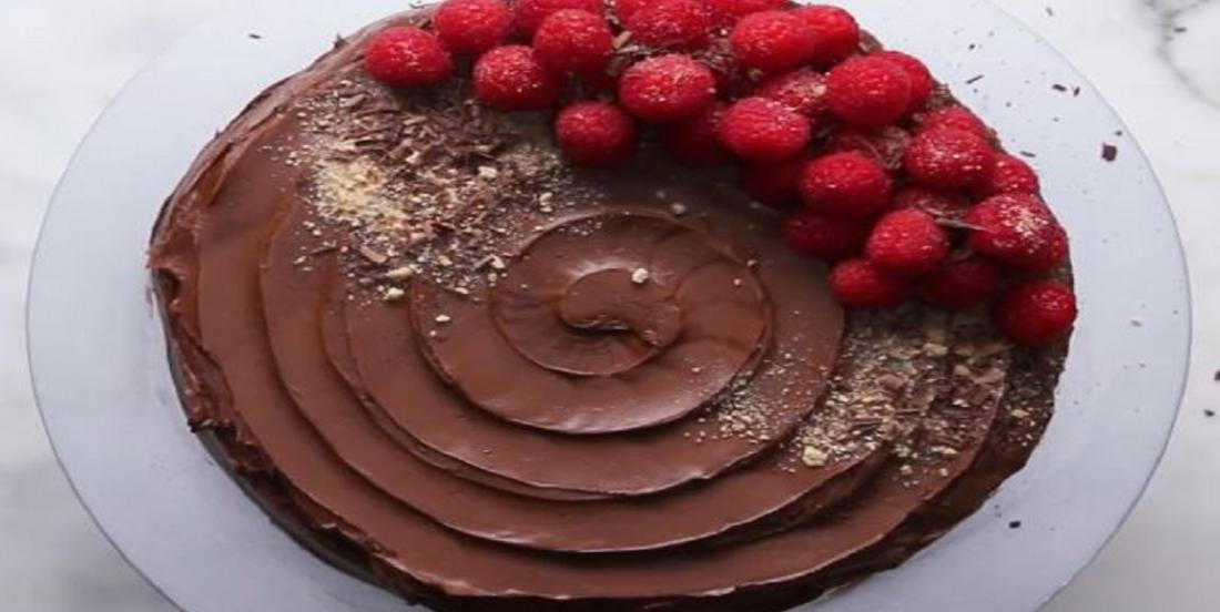 Délicieux gâteau au chocolat sans cuisson