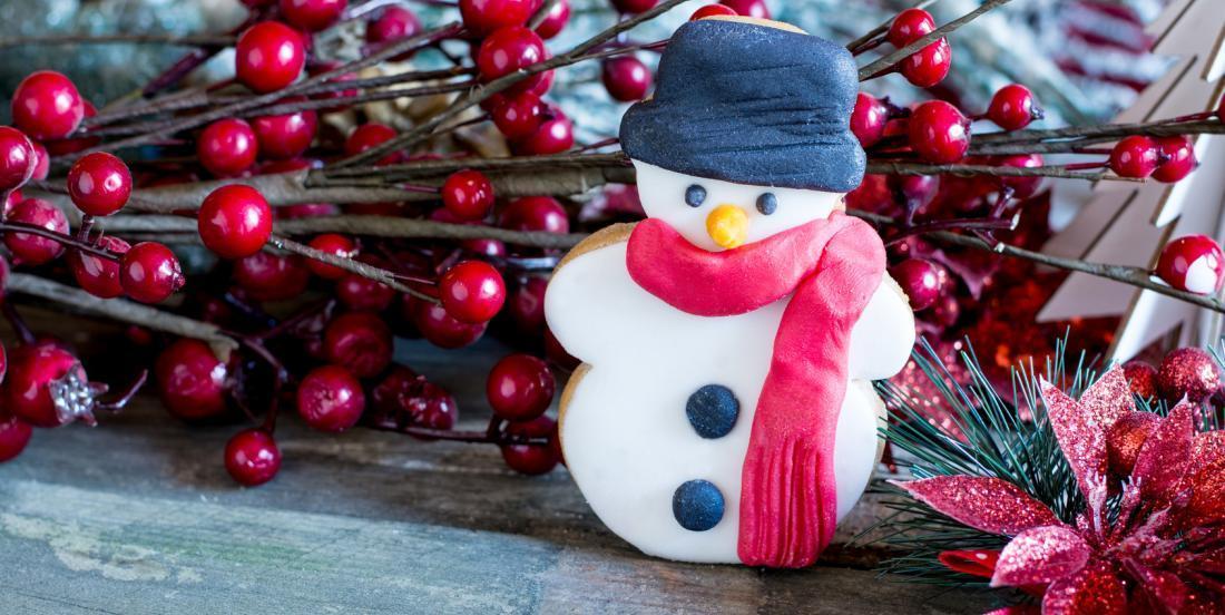 Des biscuits bonhomme de neige à offrir en cadeau aux gourmands