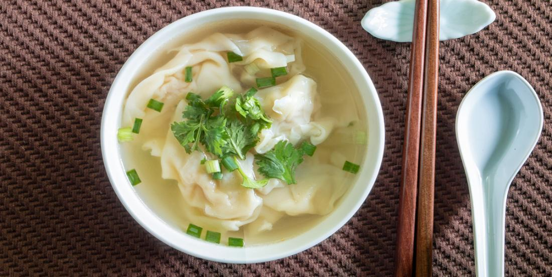 Une soupe wonton meilleure qu'au resto réalisée seulement en 5 minutes