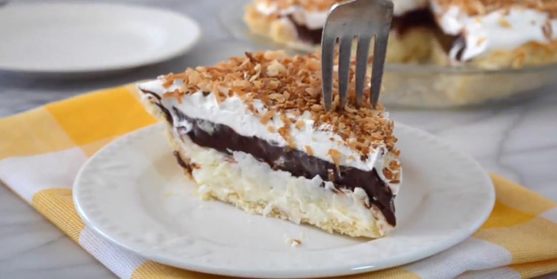 Tarte de rêve au chocolat et à la noix de coco, un dessert qui se cuisine en 15 minutes!