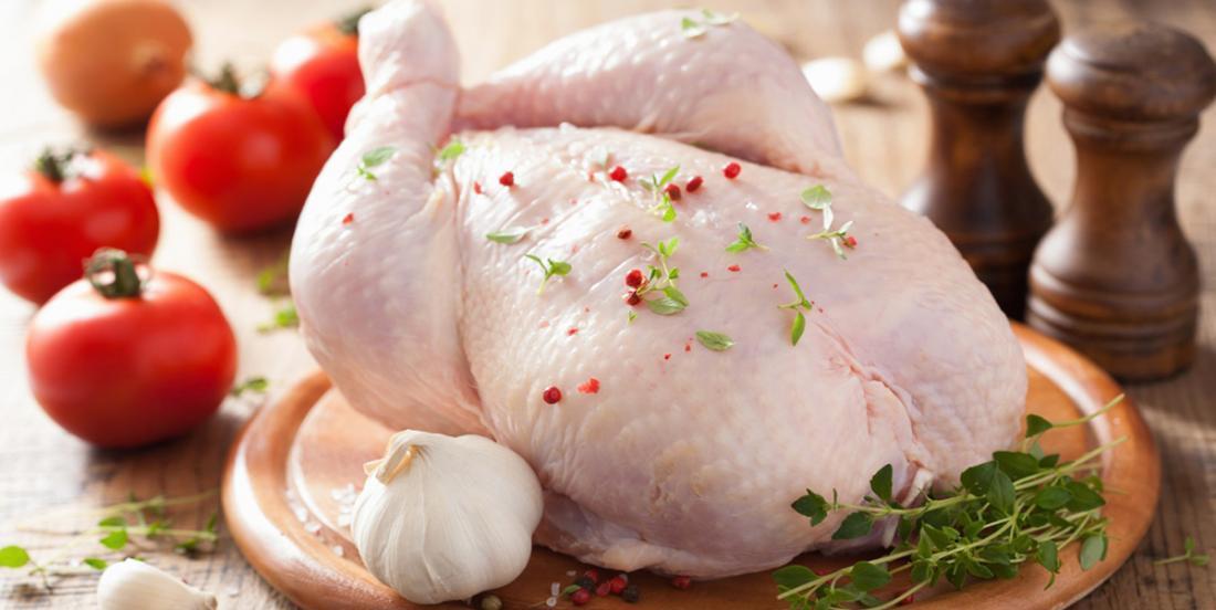 Question: Doit-on rincer le poulet cru?