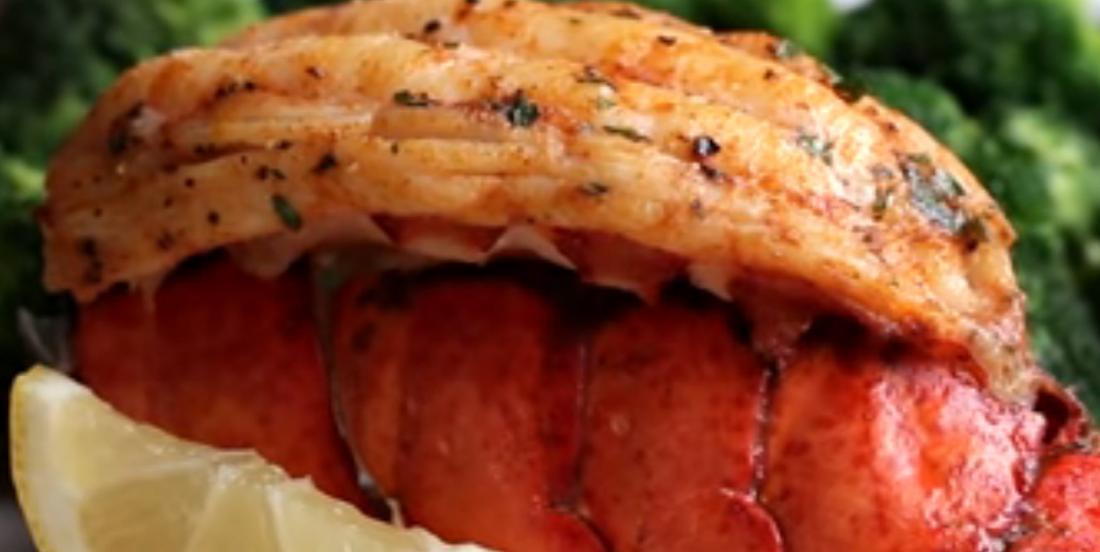 Queues de homard façon papillon et beurre épicé