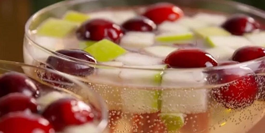 Mimosa fruité de Noël, incontournable pour les brunchs