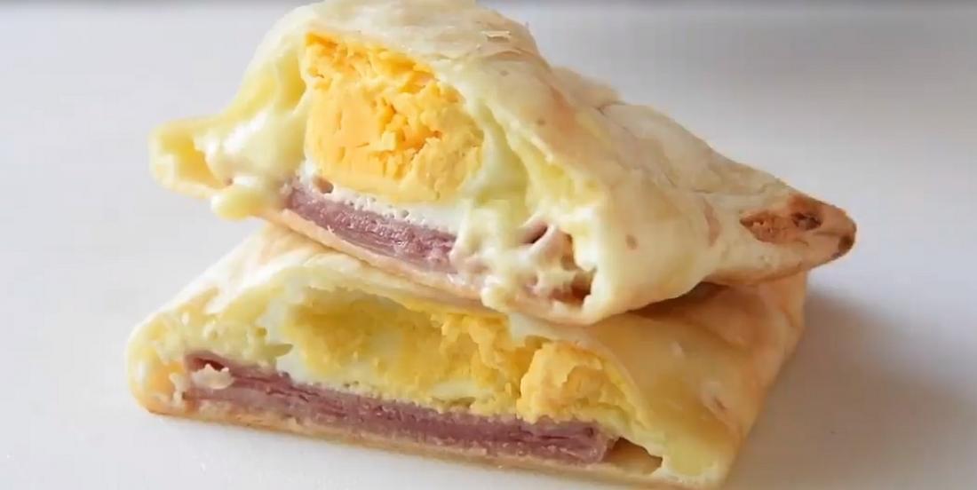 Pochette-déjeuner jambon-oeufs et fromage prête en moins de 30 minutes