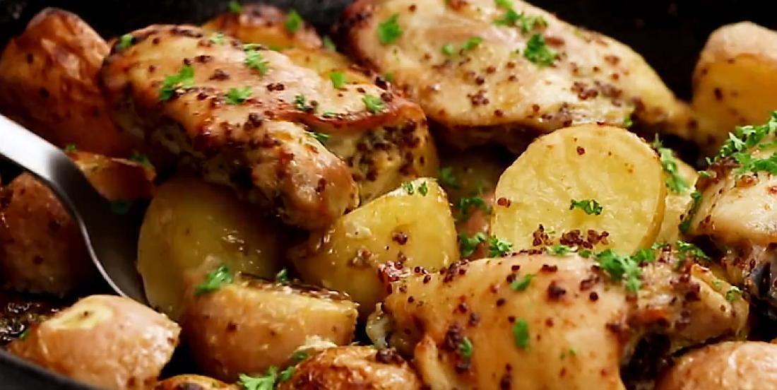 Poulet et pommes de terre au four à saveur de moutarde et d'érable