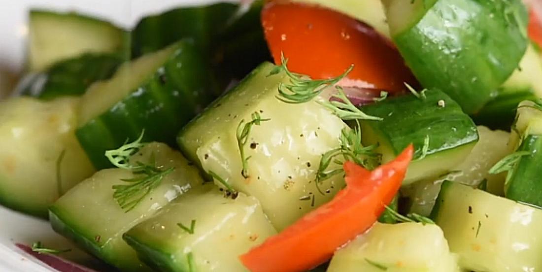 Salade de tomates et concombres à l'aneth