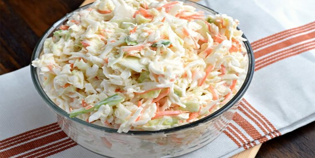 Salade de chou crémeuse, y'a pas de meilleure façon de la réussir à la perfection!
