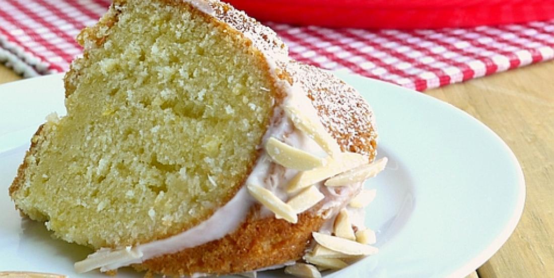 Gâteau au citron nappé d'un irrésistible sirop au limoncello