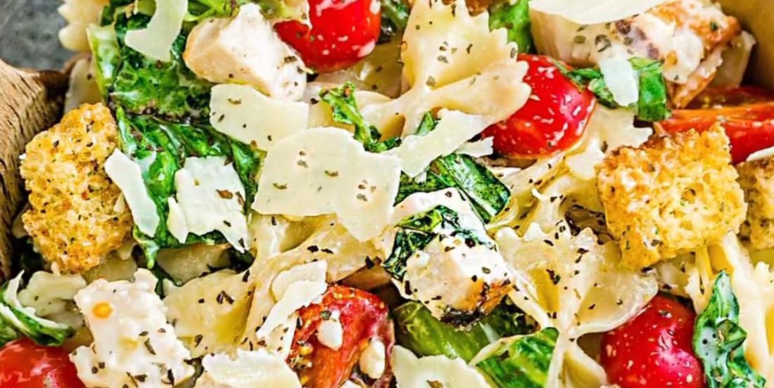 Salade de pâtes au poulet César