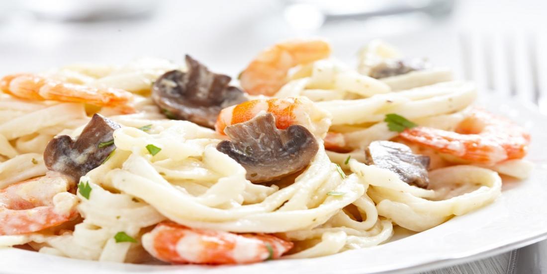 Fettucine sauce crémeuse aux crevettes et aux champignons
