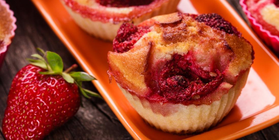 Muffins sans sucre aux fraises et aux bananes