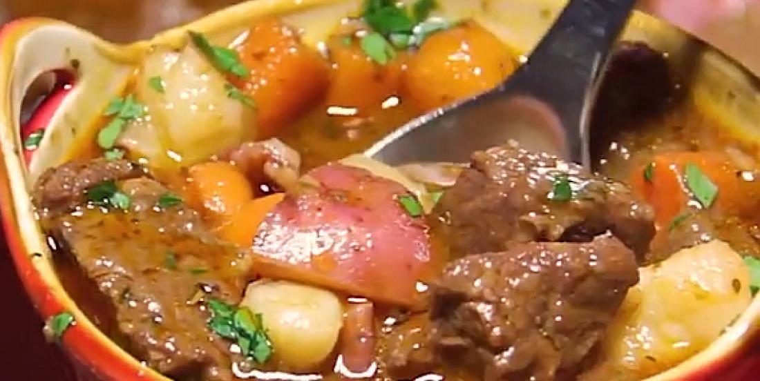 Soupe-repas boeuf et légumes au vin rouge