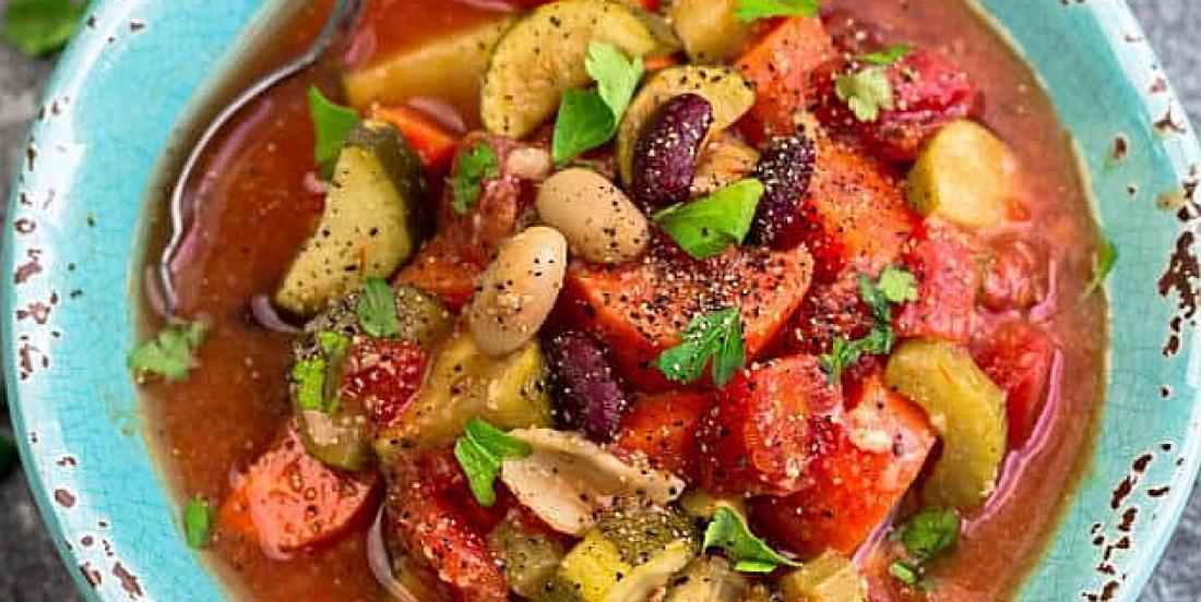 Une bonne soupe minestrone à la mijoteuse, un vrai délice d'automne