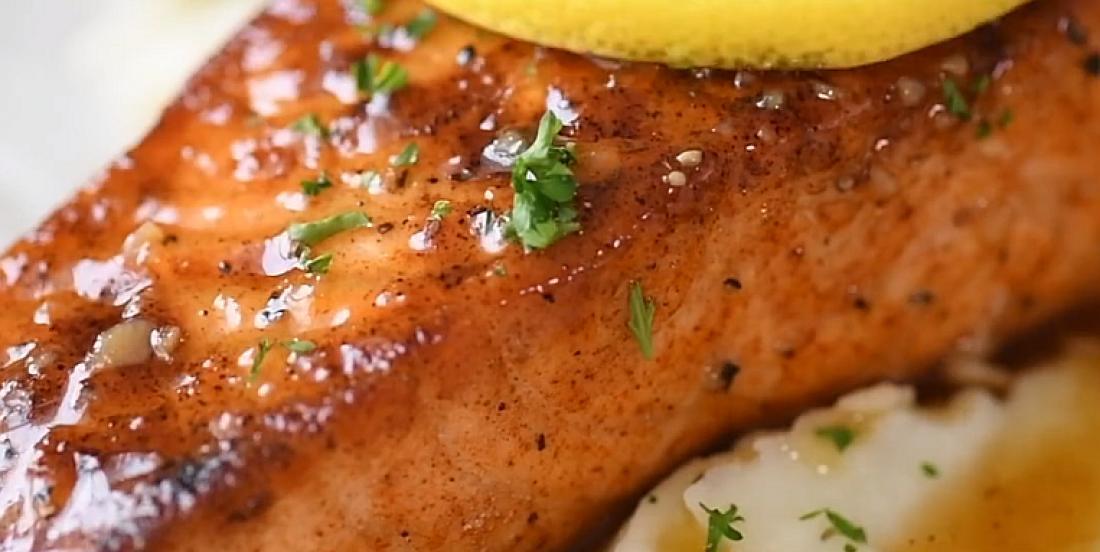 Délicieux saumon miel et citron prêt en moins de 15 minutes