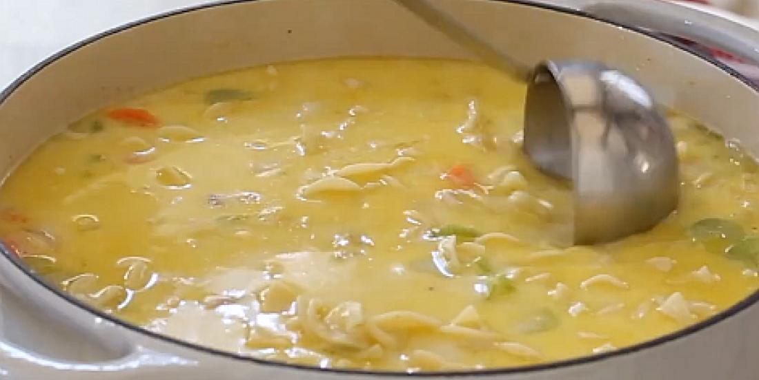 Soupe crémeuse à la dinde et aux nouilles