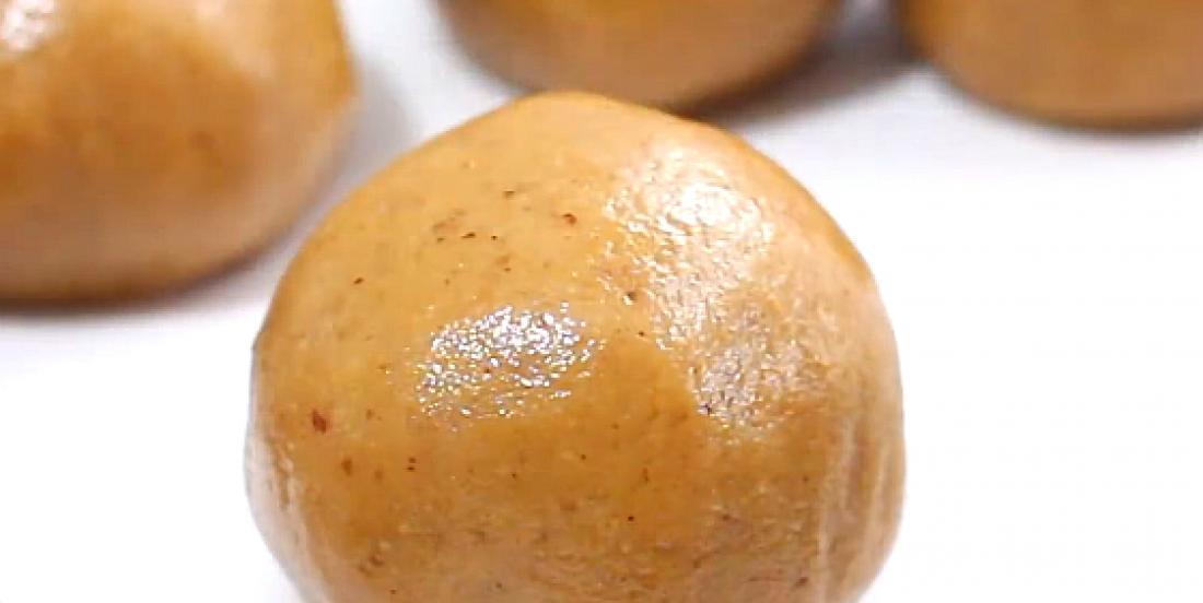 Boules énergétiques sans cuisson au beurre d'arachide