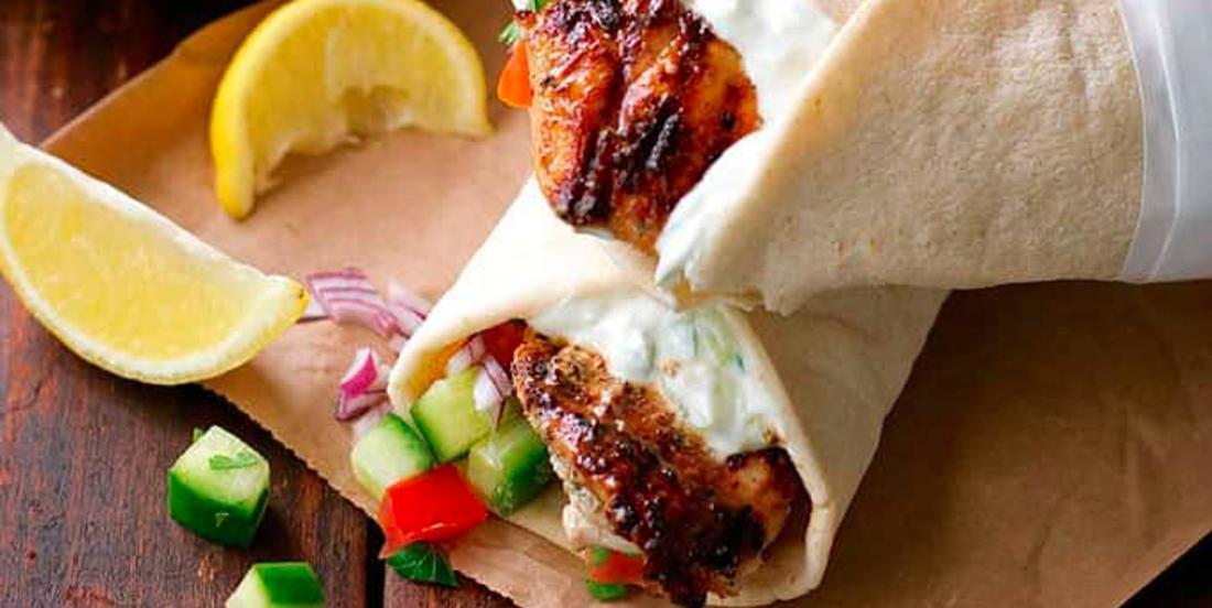 Gyros au poulet mariné et tzatziki maison