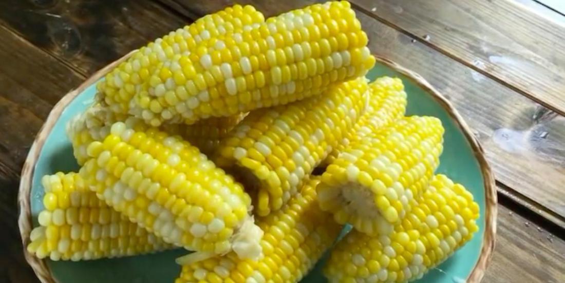 La meilleure méthode de cuisson pour obtenir des épis de maïs parfaits à tous les coups