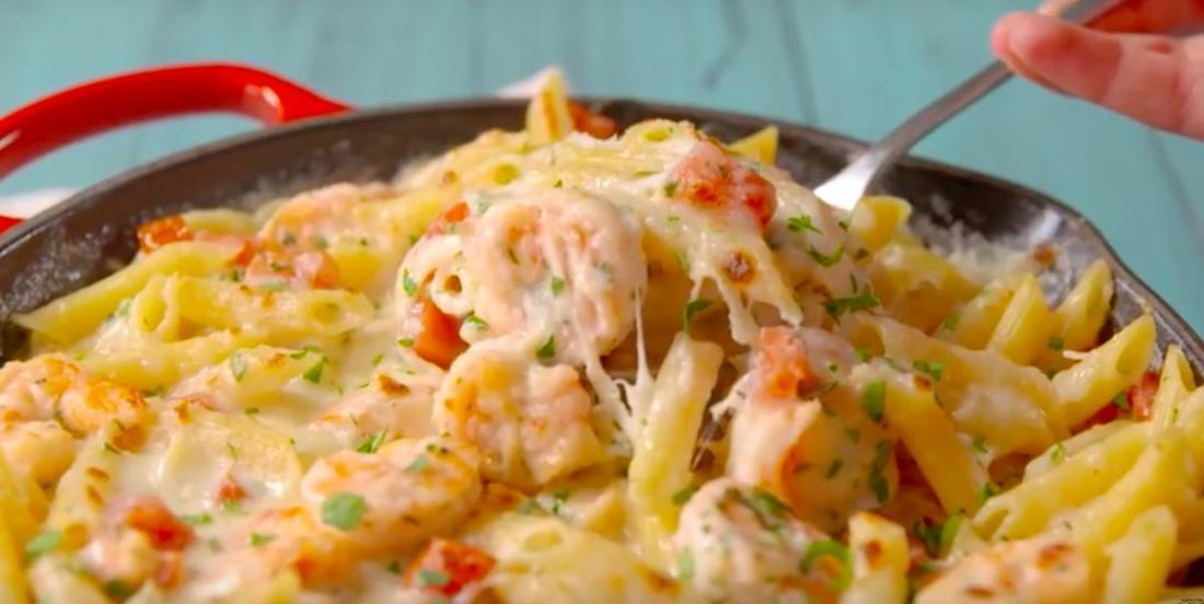 Casserole de crevettes à l'ail sauce Alfredo