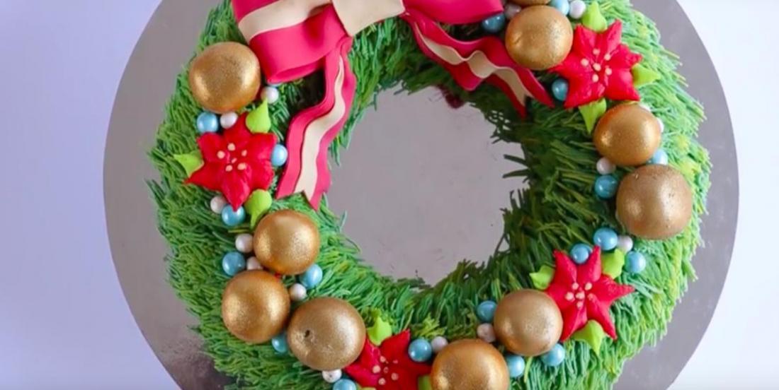 Apprenez à confectionner un gâteau en forme de couronne de Noël