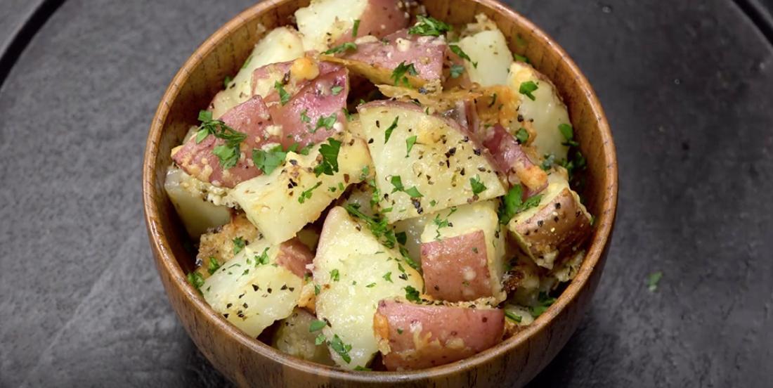 Ces pommes de terre au parmesan sont l'accompagnement parfait !