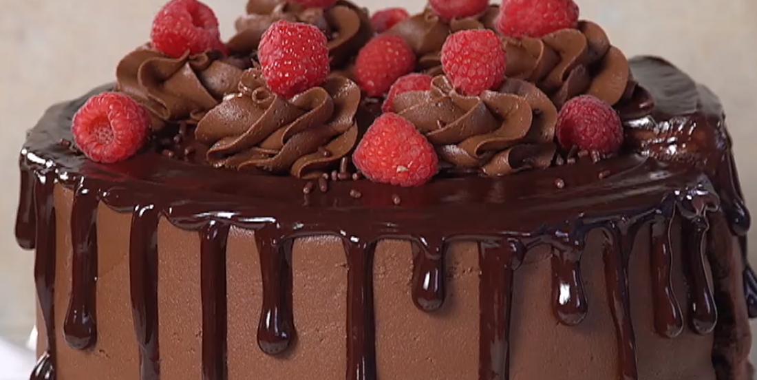 Succulent gâteau au chocolat et aux framboises