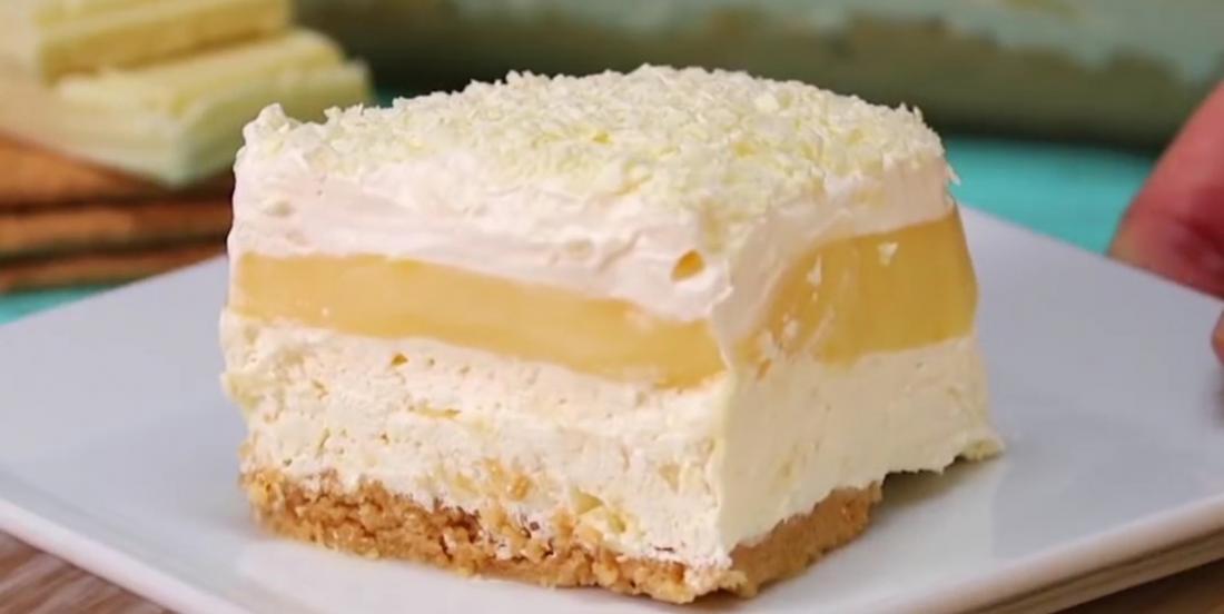 Gâteau étagé au chocolat blanc et à la vanille qui ne demande pas de cuisson