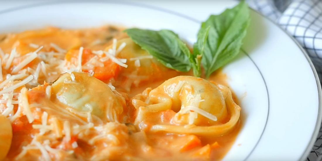Crème tomate maison avec tortellinis au fromage