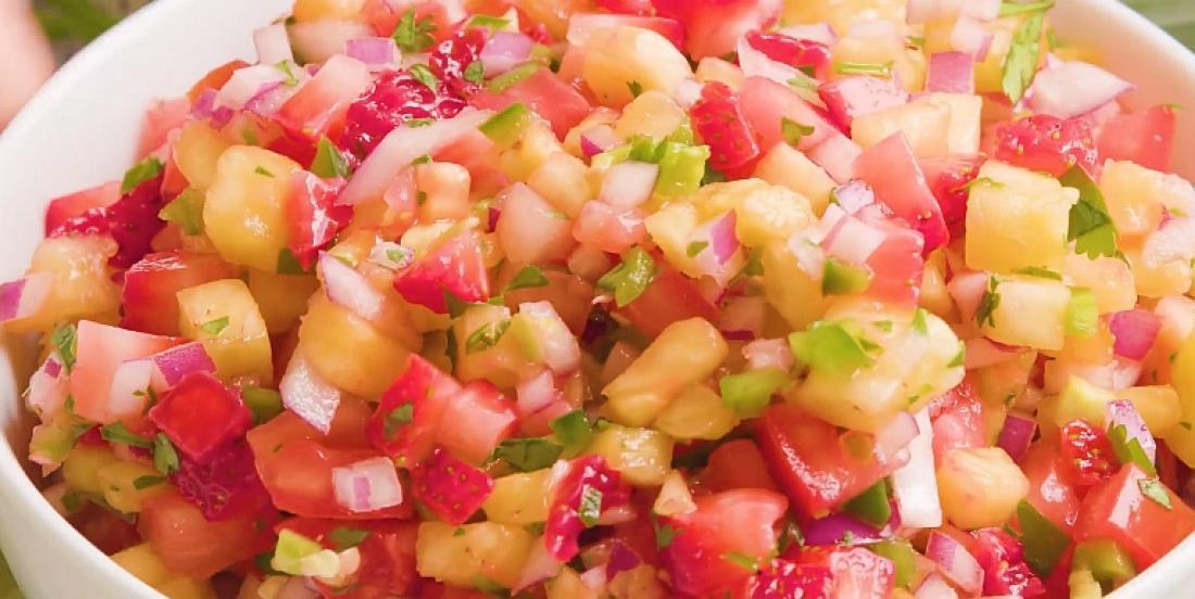 Délicieuse salsa fraises et ananas