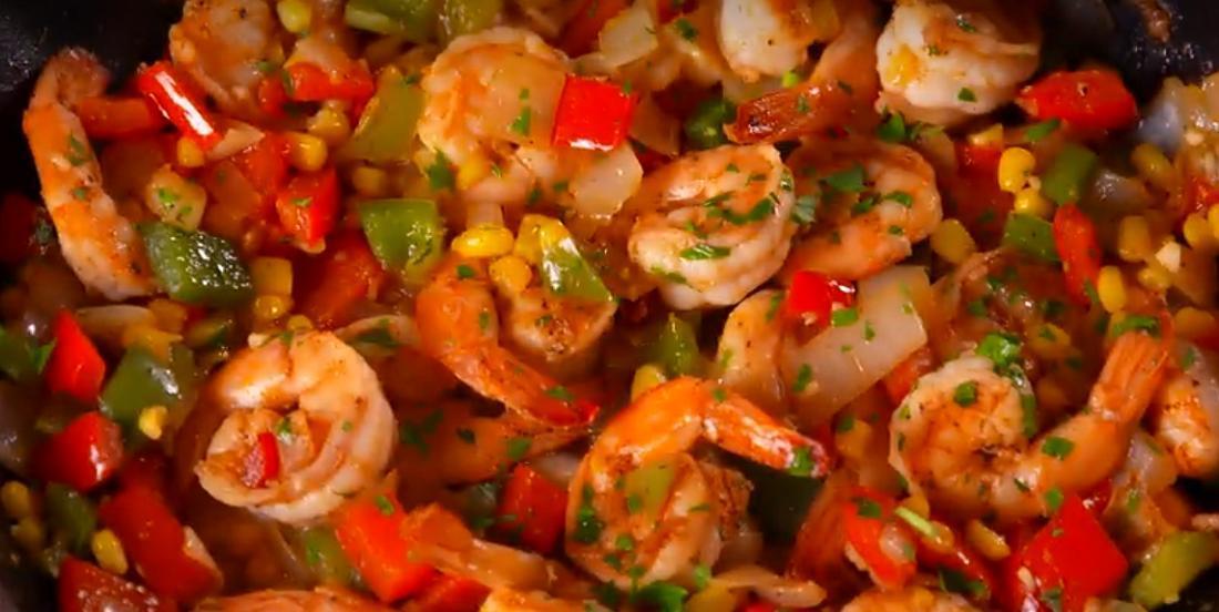 Crevettes cajun prêtes en moins de 25 minutes