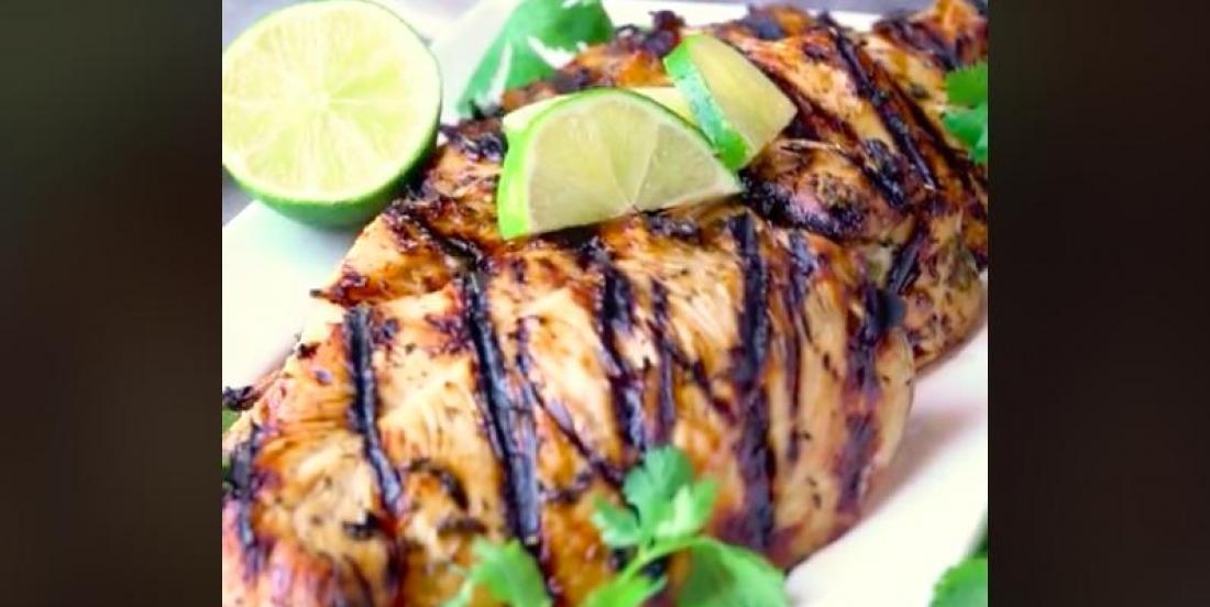 Poitrines de poulet grillé Margarita au BBQ