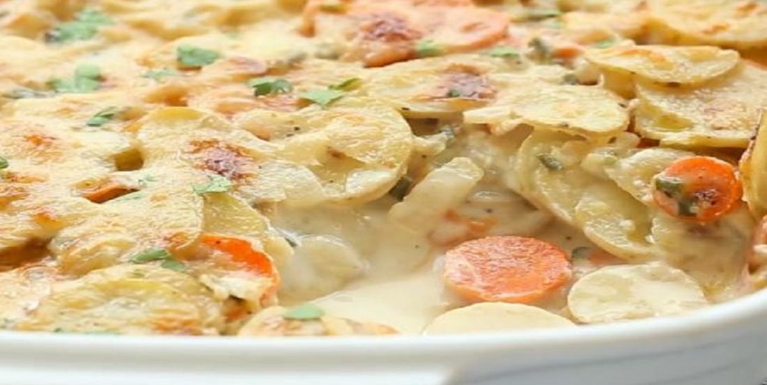 Gratin de pommes de terre et de carottes à l'ail et au parmesan
