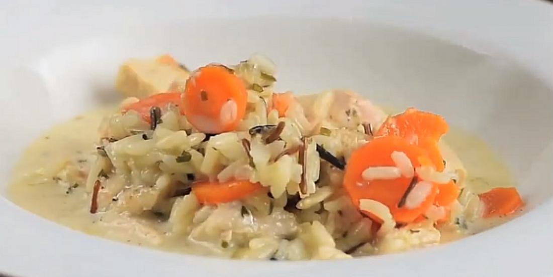 Soupe crémeuse au poulet et au riz sauvage