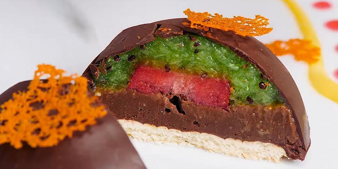 Dômes chocolatés aux kiwis et aux fraises