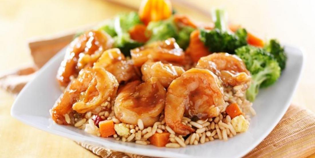 Sauté de crevettes et de brocoli qui compte moins de 300 calories