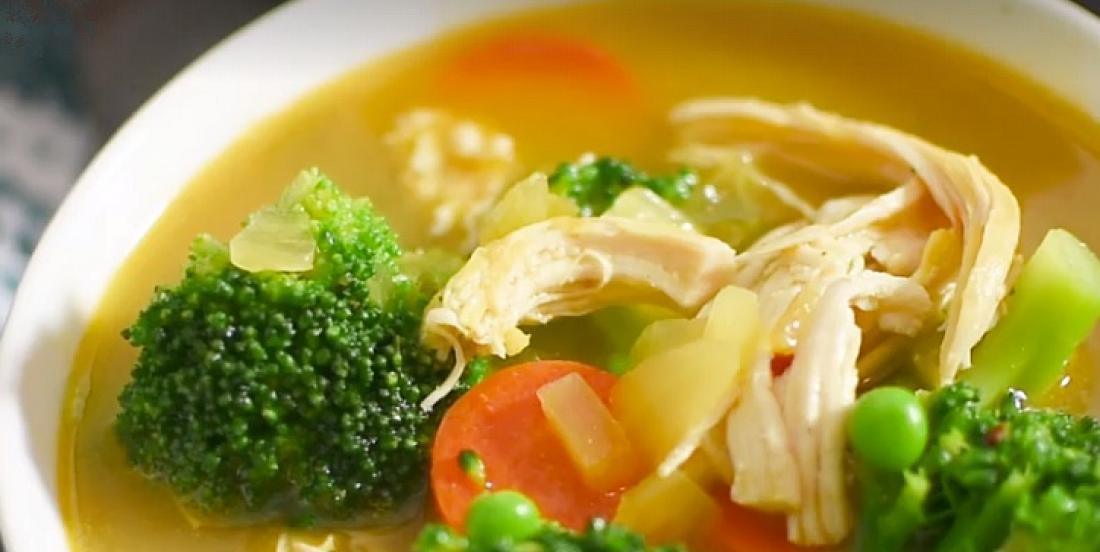 La soupe au poulet parfaite pour se remettre des abus des fêtes
