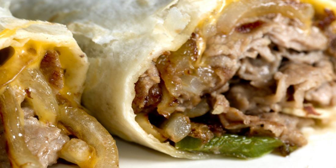 Laissez-vous tenter par ces pitas au bifteck et aux oignons caramélisés