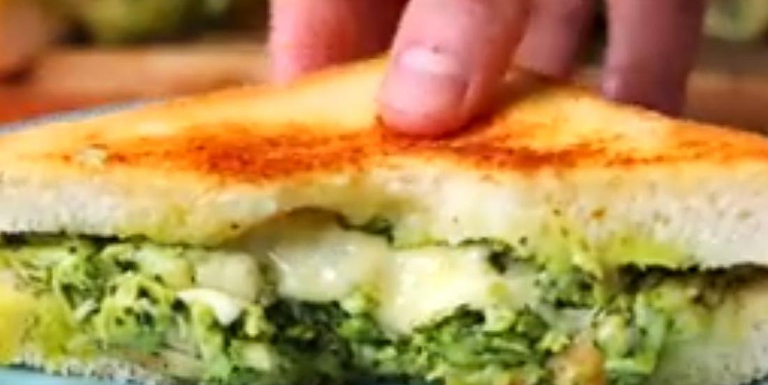 Grilled cheese au poulet-pesto cuit au four, bon jusqu'à la dernière bouchée