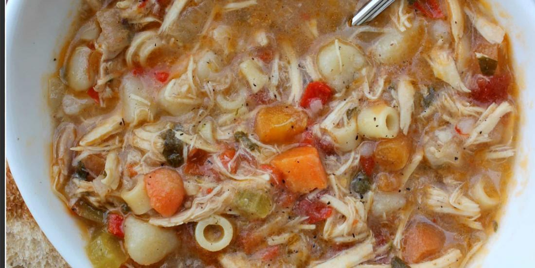 Soupe poulet et nouilles, une façon tout à fait différente de la faire!