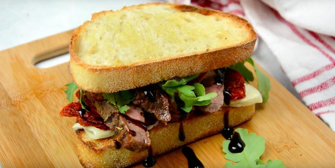 Ce fabuleux sandwich au bœuf remporte tous les prix!