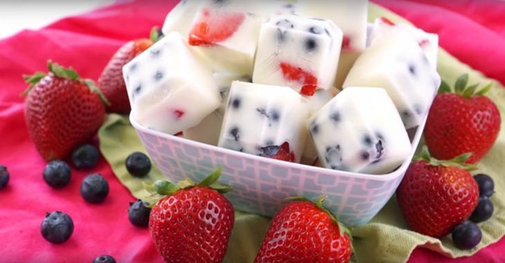 Une collation nutritive aux petits fruits que les enfants vont adorer
