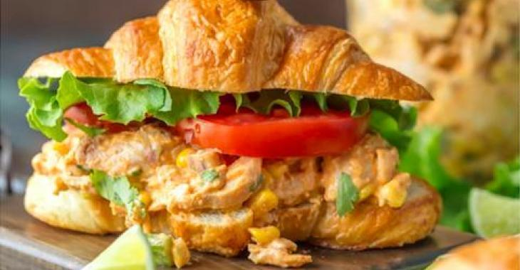 Sandwich à la salade de poulet à la mexicaine